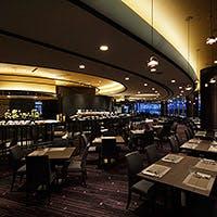 リーガロイヤルホテル広島の1階、シックな内装のオールデイダイニング
