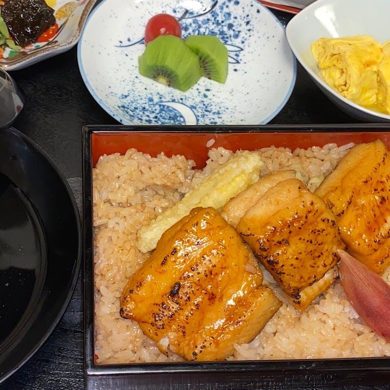 【鱧重セット】小鉢、鱧天ぷら、鱧重、吸い物など(2名~個室利用可)