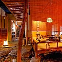 京の雅を思わせる数奇屋造りでしつらえた粋な空間