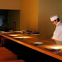 日本の美と光が織りなす現代の枠を感じる美空間