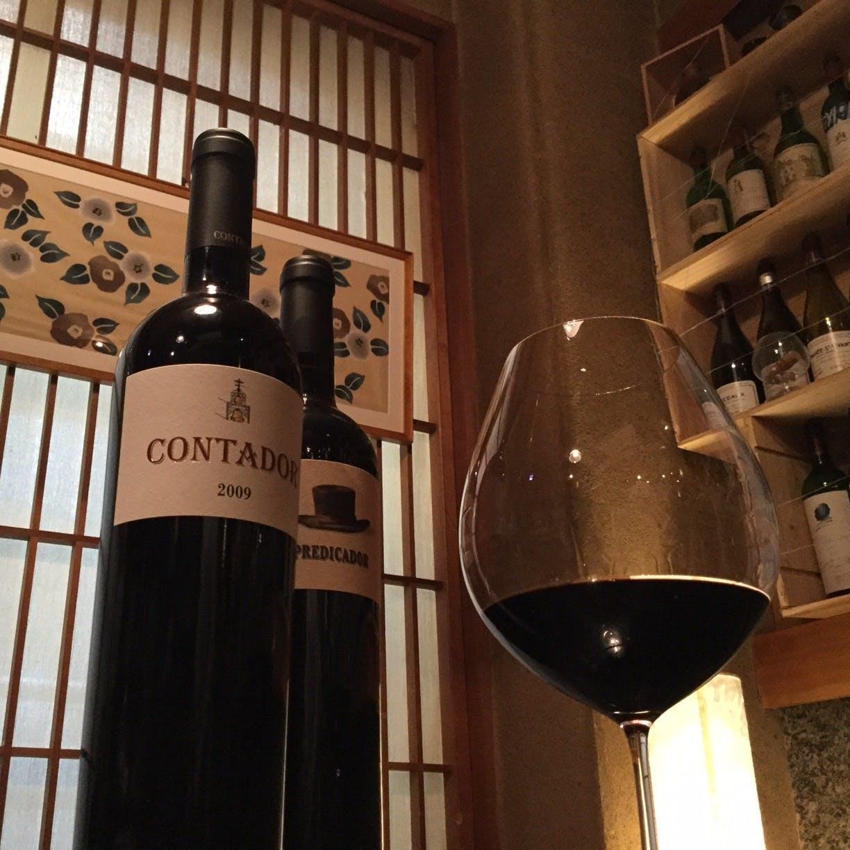 ワイン好きの食通が夜な夜な和食とワインのマリアージュを求めに集まる店