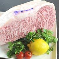 腕利きシェフの匠の技で焼き上げる、世界が憧れる『神戸ビーフ』ステーキ