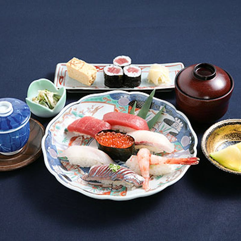 【贅沢海鮮コース】刺身盛り合わせ、本日のおまかせにぎり寿司など+選べる1ドリンク