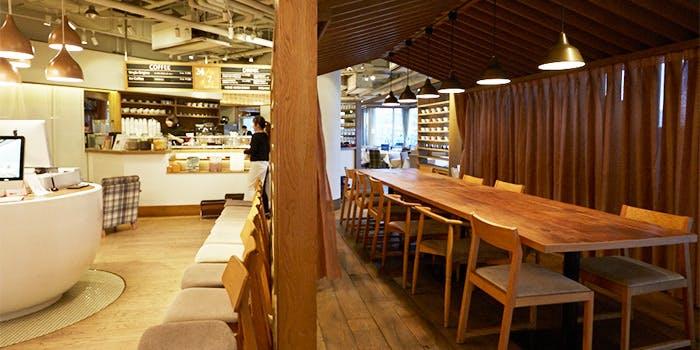 記念日におすすめのレストラン・24/7 Restaurantの写真1