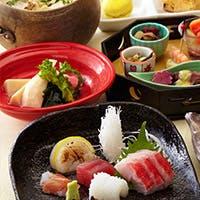 湘南名物の釜揚げしらすをはじめ、四季のおすすめ料理が愉しめます