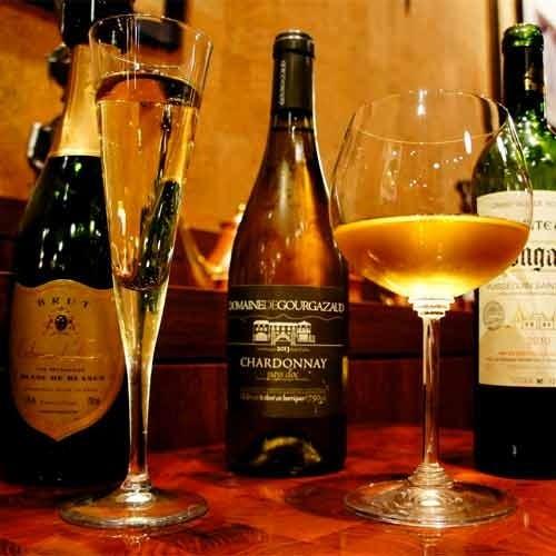厳選ワインと本格ビストロのマリアージュ