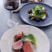 """""""Grill & Wine""""を中心としたクリエイティブ溢れる最新モードのお料理"""