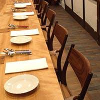 大切な人とゆっくりお食事を楽しんでいただける空間づくりを心がけています