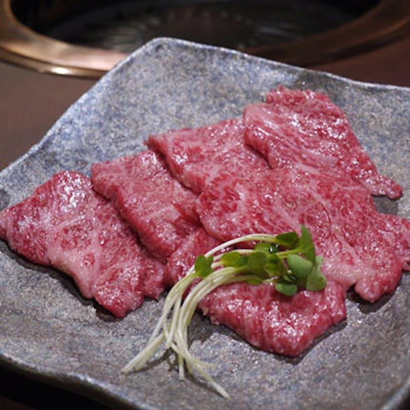 【肉づくしコース】ユッケ刺し、萬舌盛り、フィレ肉、肉寿司など全10品+選べるドリンク2杯