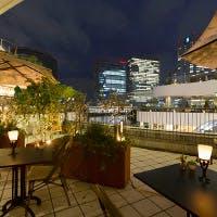 海風と横浜夜景を楽しむ絶好のロケーション