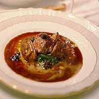 季節の食材を使ったお料理を豊富なワインとともに