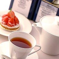 香り高く味わい深いコーヒーや紅茶、パティシェ自慢のケーキの数々
