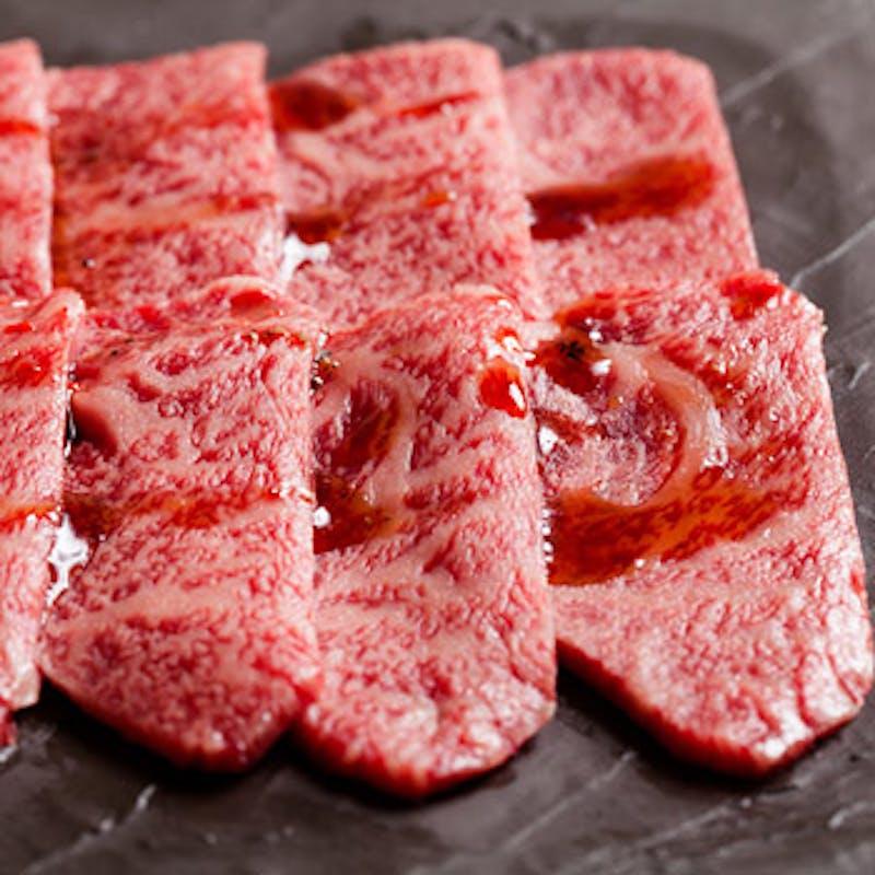 【記念日コース】お肉のデコレーションケーキ 、神戸牛の焼きすきなど+日本酒九平次
