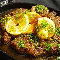 超熟成黒毛和牛の塊肉を炭火焼ステーキで贅沢に