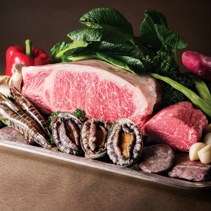 【タンザナイト】車海老・蝦夷鮑・白身魚・帆立貝柱・ステーキなど全8品+1ドリンク(国産牛+肉増量)