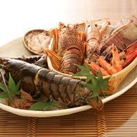 豊富な種類の食材と匠の腕により創り出される贅沢な海老料理の数々は絶品です