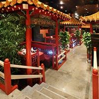 中国の雰囲気漂う店内
