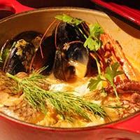 人気のブイヤベースを始め海の幸と京野菜をつかったカジュアルフレンチのお店