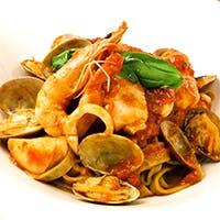 産地直送の旬野菜と厚切りアメリカンビーフを 豪快にグリルしたステーキをイタリアワインと共に。