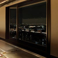 ホテル最上階から大阪湾を一望 至福のひとときをお届け