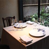リストランテのコース料理、ワイン、サービス三位一体のハーモニーがポイントである