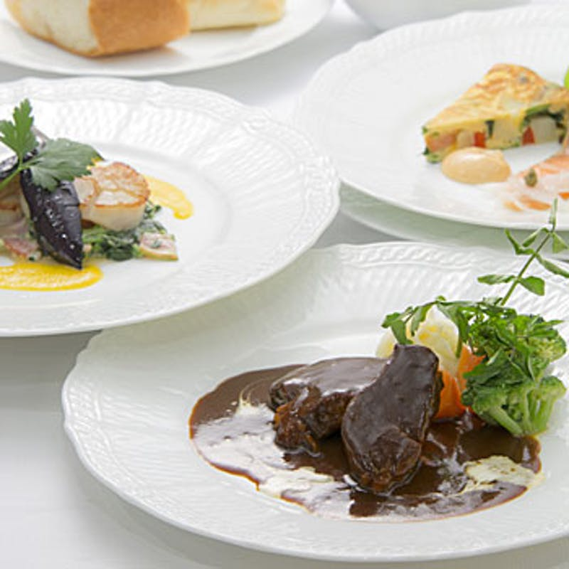 【メインが選べるデイナーコース】前菜、パスタ、メインなど全5品+選べる1ドリンク