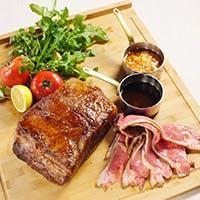 色々なお肉が楽しめるシュラスコガーデンコース