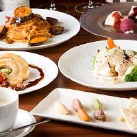 和洋折衷の鮮やかな創作料理を、美味しいお酒とともにどうぞ