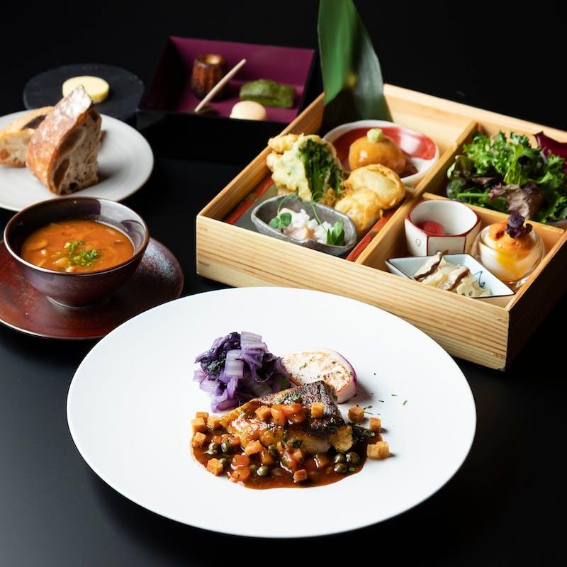 【洋食】和洋折衷箱盛前菜付 洋食ランチ(メイン:播磨灘 天然スズキのポアレ)
