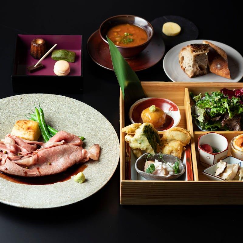 【洋食】和洋折衷箱盛前菜付 洋食ランチ(メイン:サーロインローストビーフ)