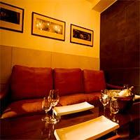 もっと美味しく、もっと楽しく。 個性豊かなカウンター席や個室をご用意