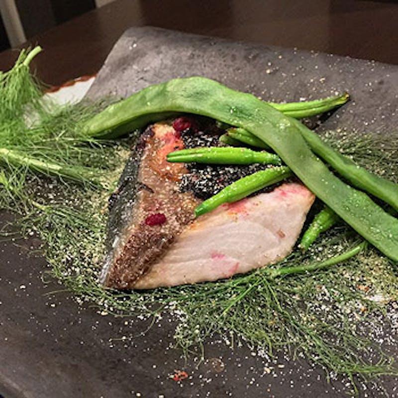 【ディナーコース】天然真鯛の瓦焼きと鴨のソテーのWメイン、お寿司特選5貫など全5品+選べる1ドリンク