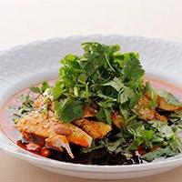 独自のスタイルでつくる旬の食材を使った中華料理