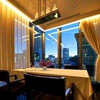 広々とした空間でお食事をお楽しみ頂けます。