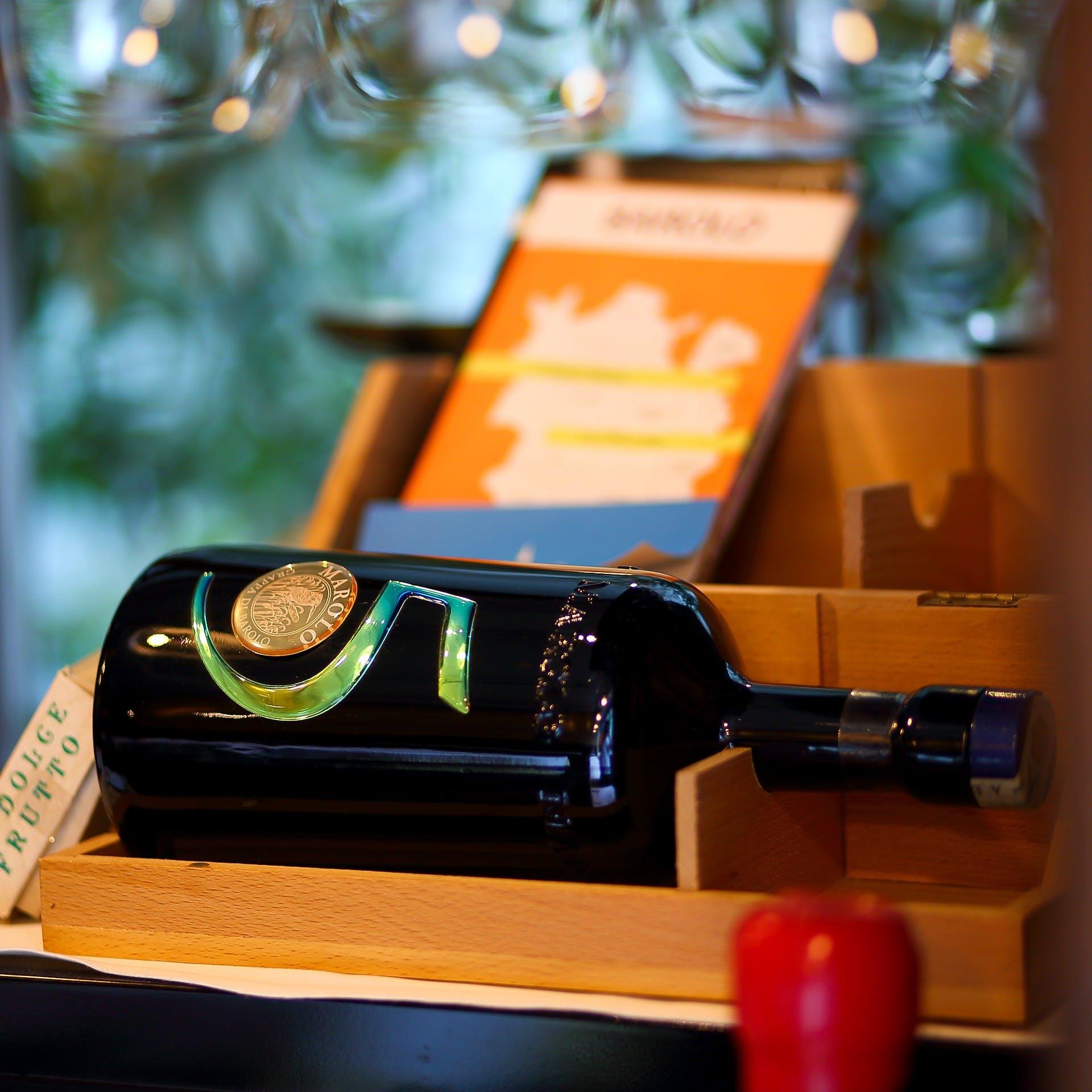 イタリアを代表するワインから新気鋭まで、豊富なワインの品揃え