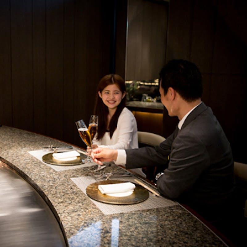 【アニバーサリーランチ】グラスシャンパン+活伊勢海老、活鮑、料理長特選和牛など全7品