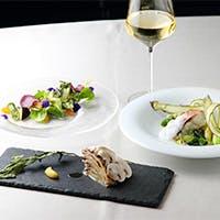 あらゆるシーンで美味しく、楽しく、寛げる、大人のためのカジュアルレストラン