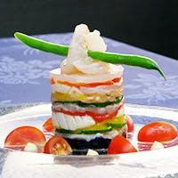 美しく彩られた料理の数々
