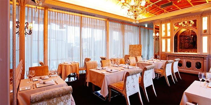 記念日におすすめのレストラン・GINZA chez tomoの写真1