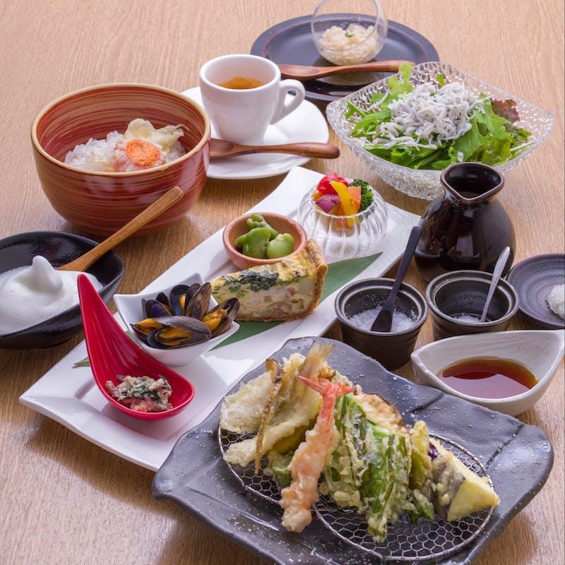【涼~Ryo~】活車海老含む天麩羅9種、オードブル5種、デザートなど全6品