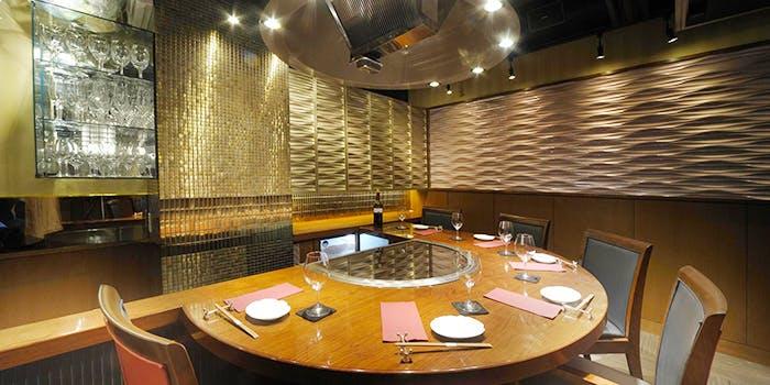 記念日におすすめのレストラン・Steak Dining 鷹の写真1