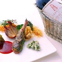 地場食材や仏産食材等を使い、皆様に楽しんで頂けるお料理を提供いたします