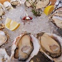 有名オイスターバーで修業したオーナーシェフが魅せる牡蠣料理の数々
