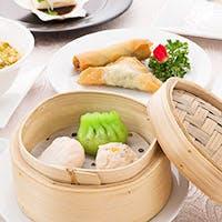 本場香港の職人が作る絶品点心や高級食材を使用した本格コース料理