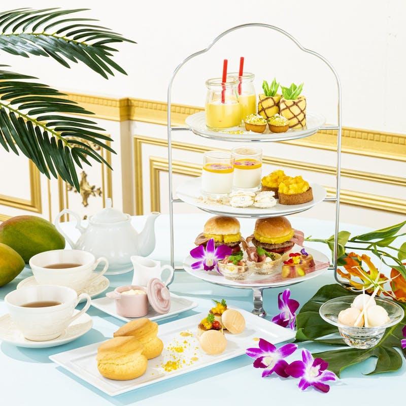 メッセージケーキ&花束×チャペルでの写真撮影セットの記念日アフタヌーンティープラン(火曜限定開催)