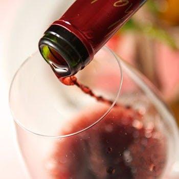 ソムリエがセレクト。お料理に合わせたワインをご用意しています