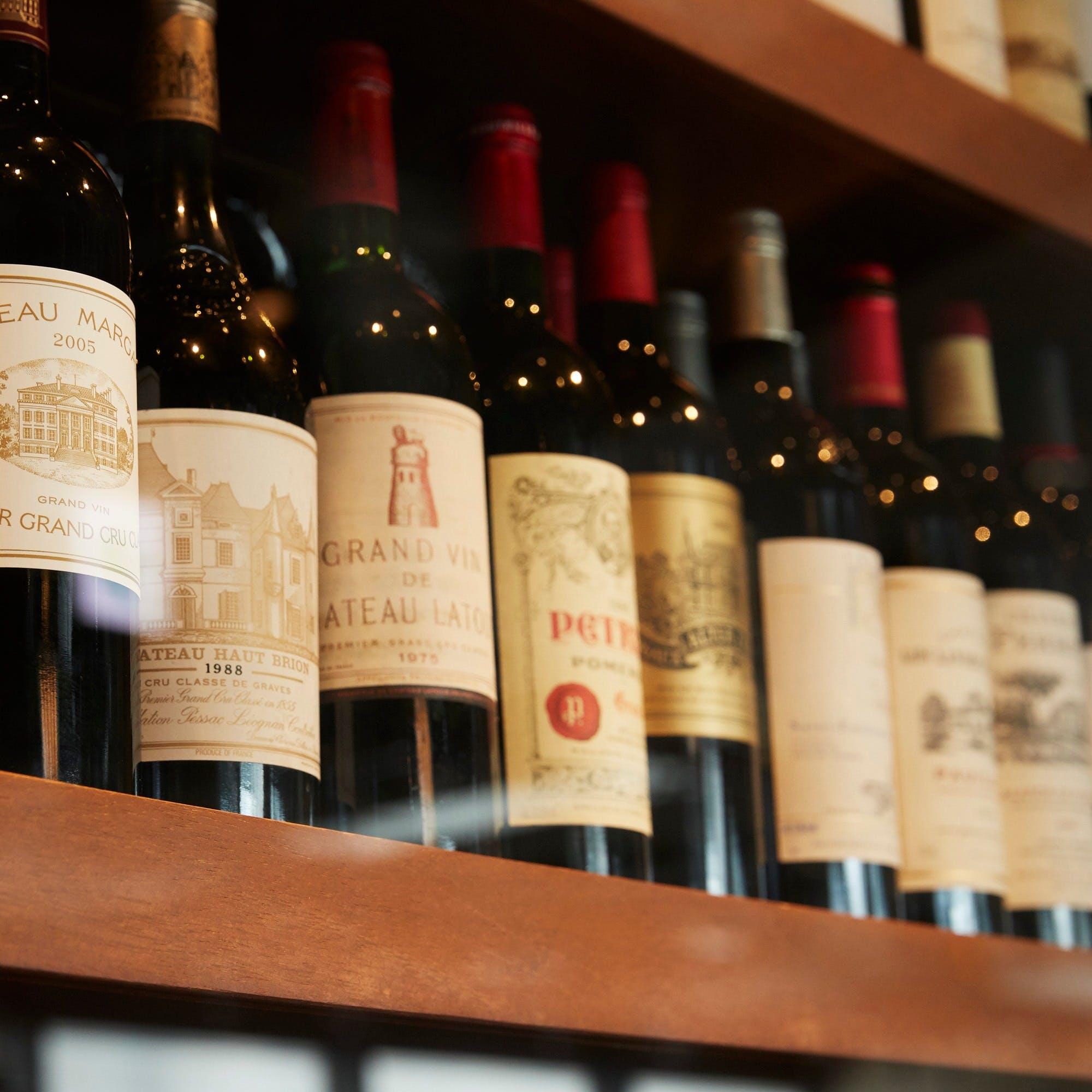 種類豊富なワインは上質な肉との相性抜群