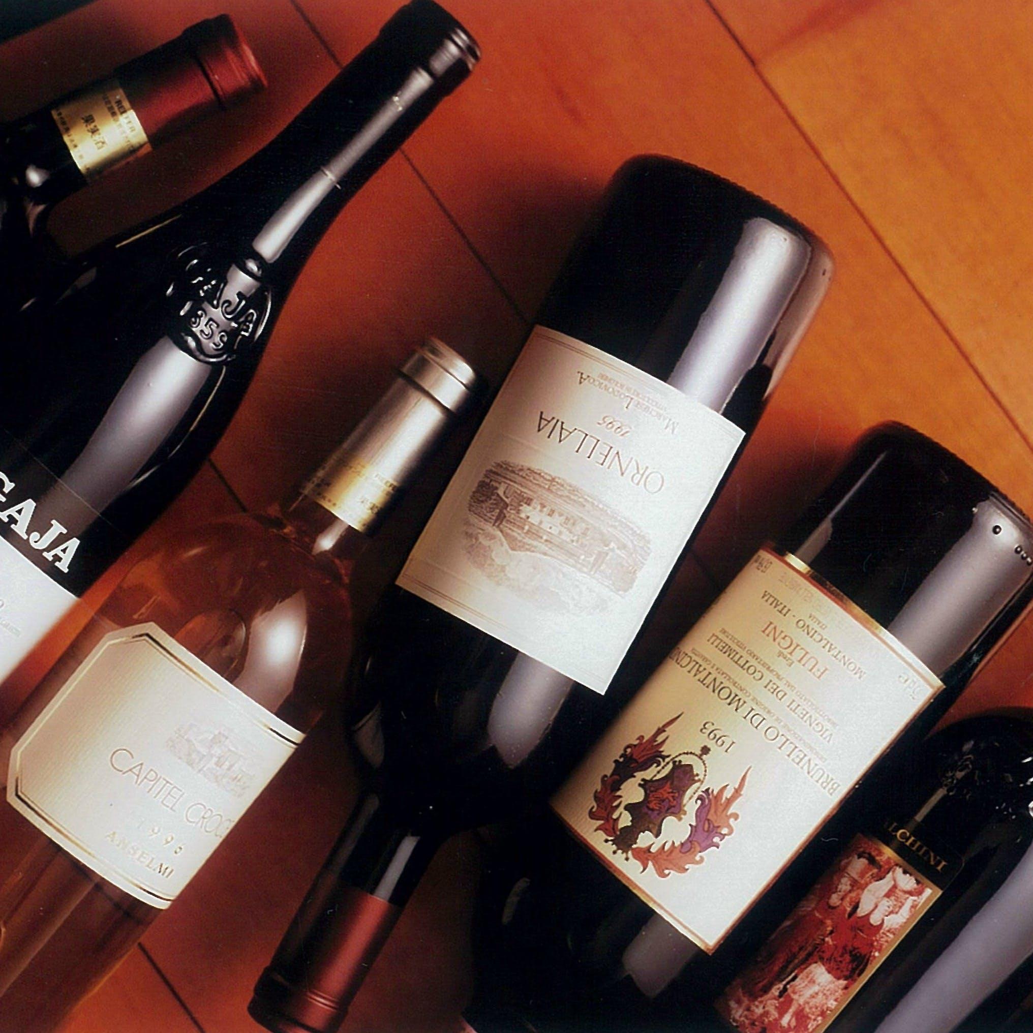 ソムリエ厳選のワインが楽しめる