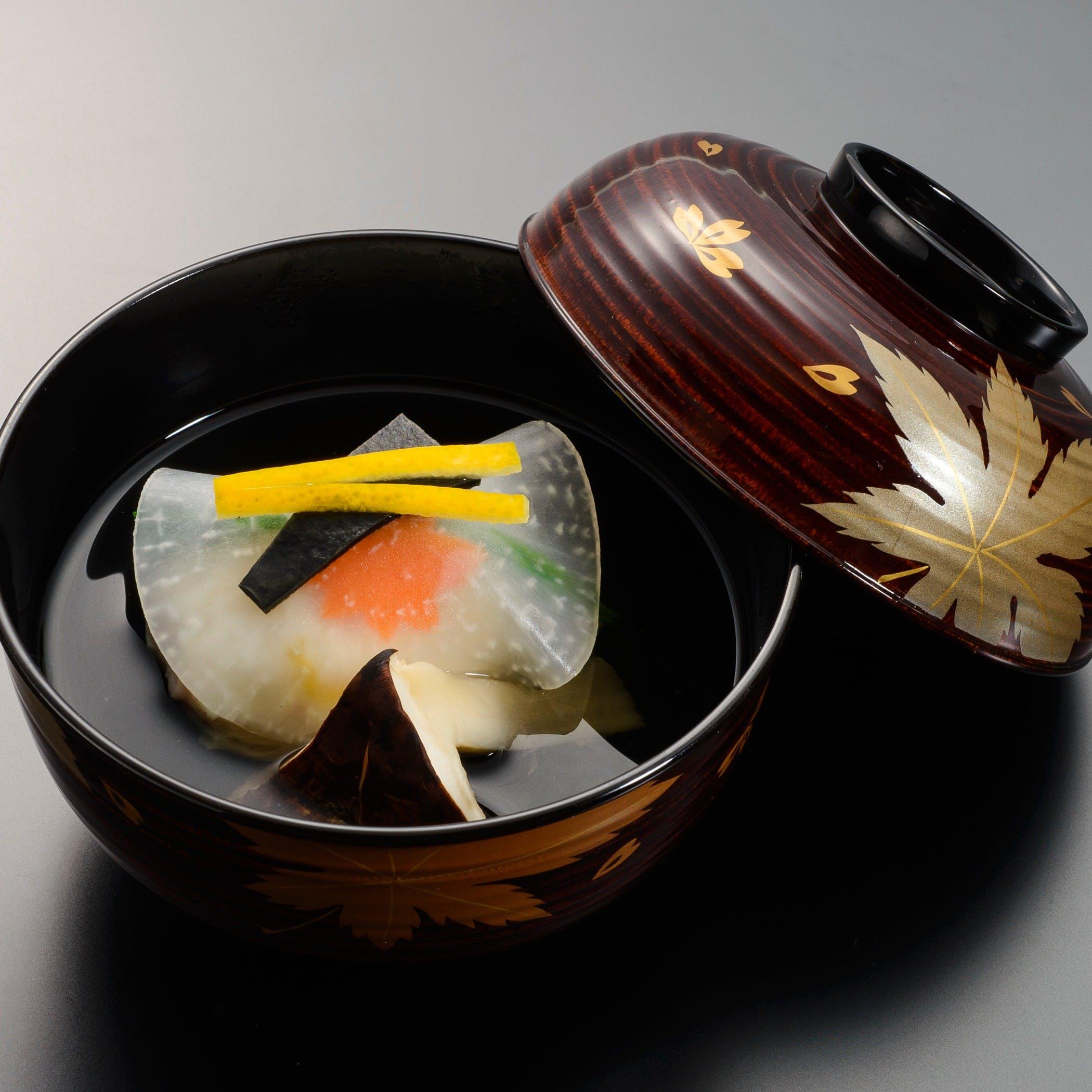 『たん熊』創業の地の当店で四季の風趣を凝らした京料理をご賞味ください
