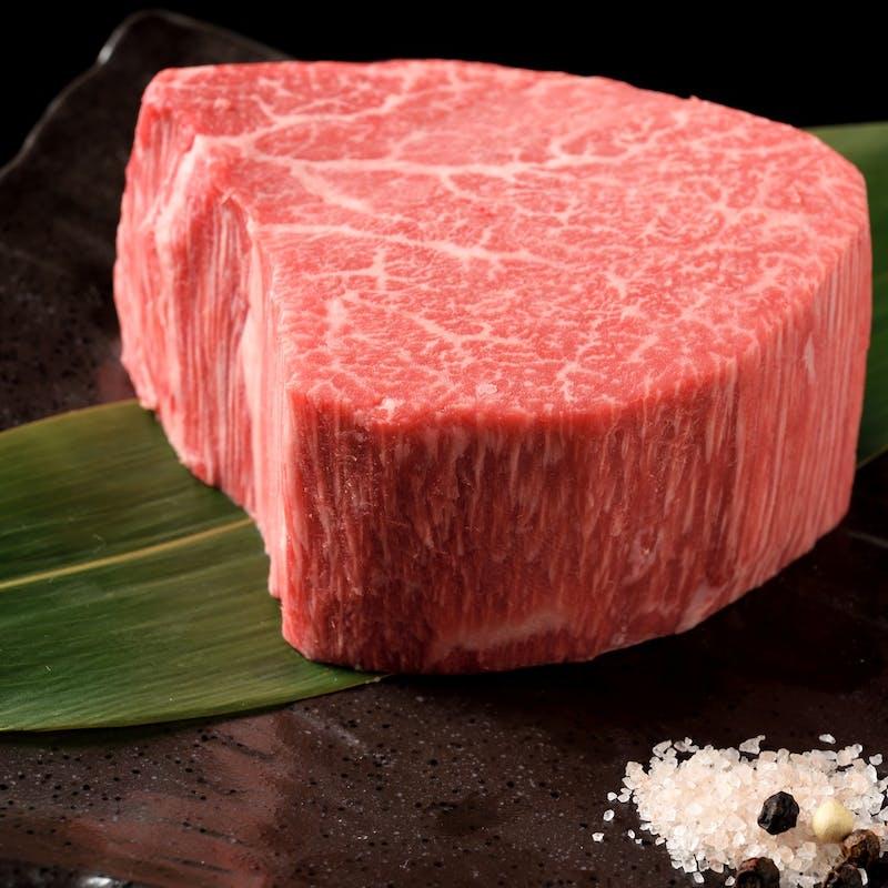 【肉の王様コース】サーロインステーキ、黒毛和牛特選3種盛りなど全14品(窓際席確約)